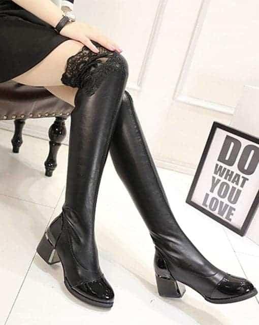 Cizme mulate peste genunchi cu dantela